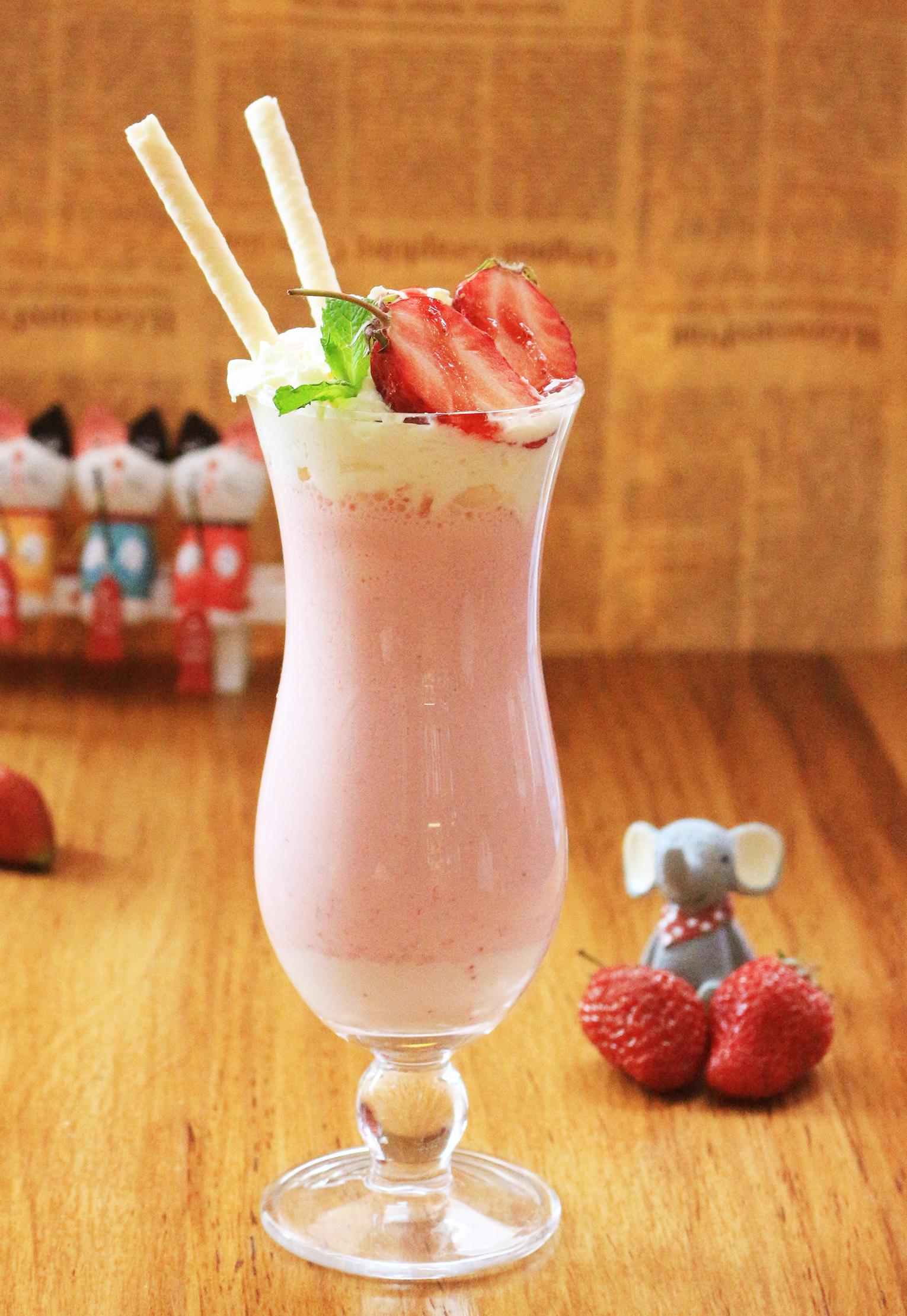 草莓香草奶昔