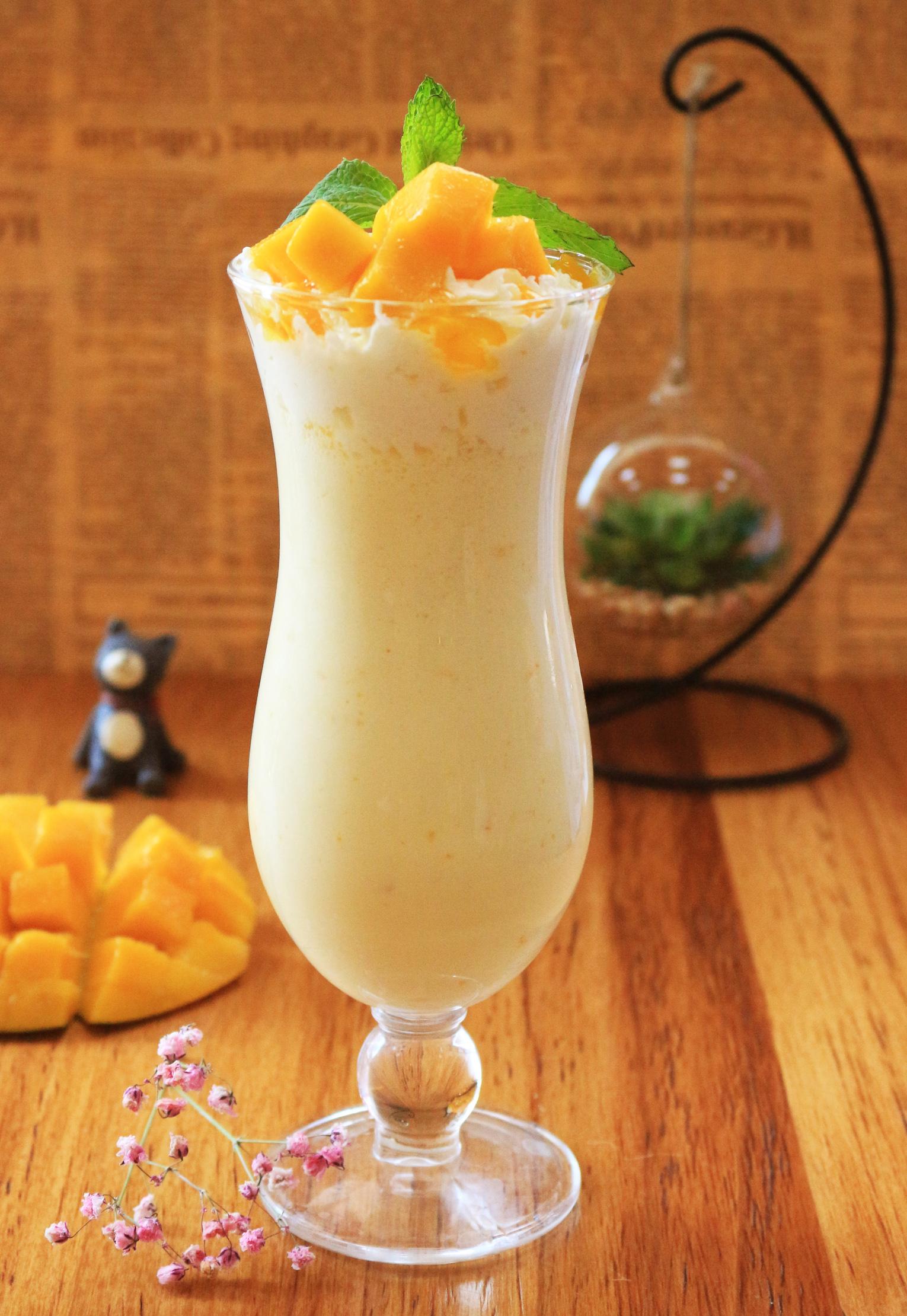 芒果香草奶昔